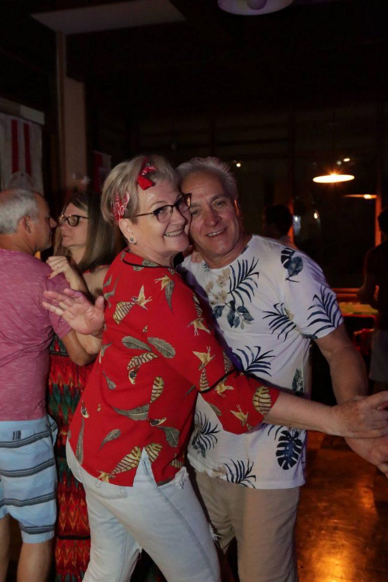 casal_dancando_festa_natal_2019_treze_tilias_park_hotel