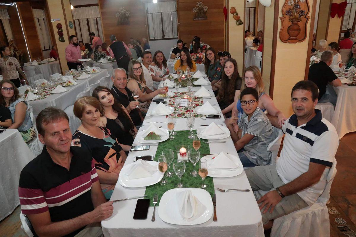 familia_hospedes_ceia_natal_2019_treze_tilias_park_hotel